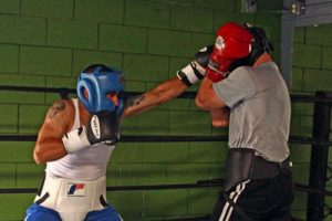 La meilleure combinaison en boxe: JAB-JAB-CROISÉ